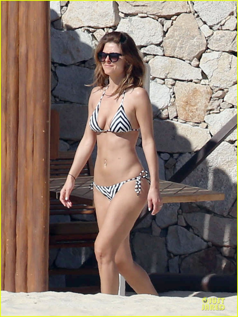 maria menounos black white bikini in cabo san lucas 013022545