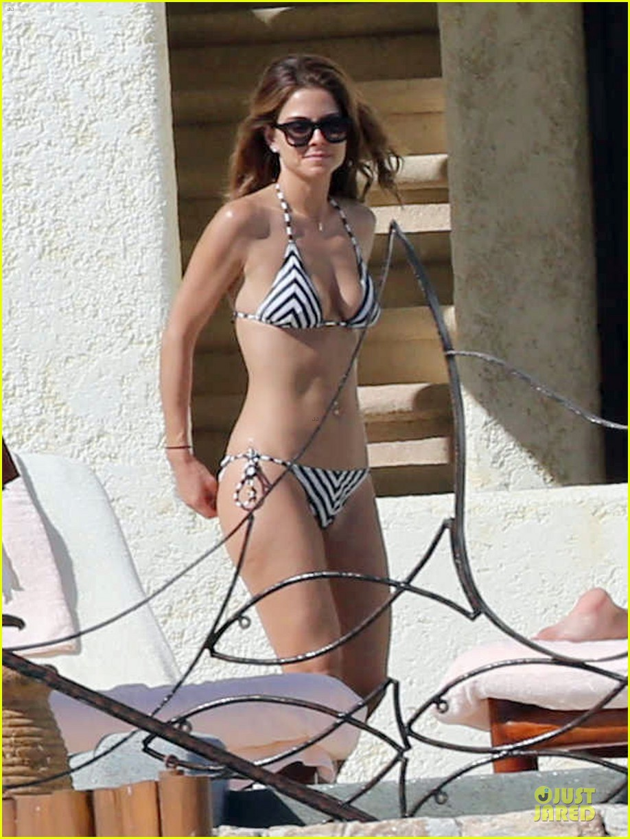 maria menounos black white bikini in cabo san lucas 10