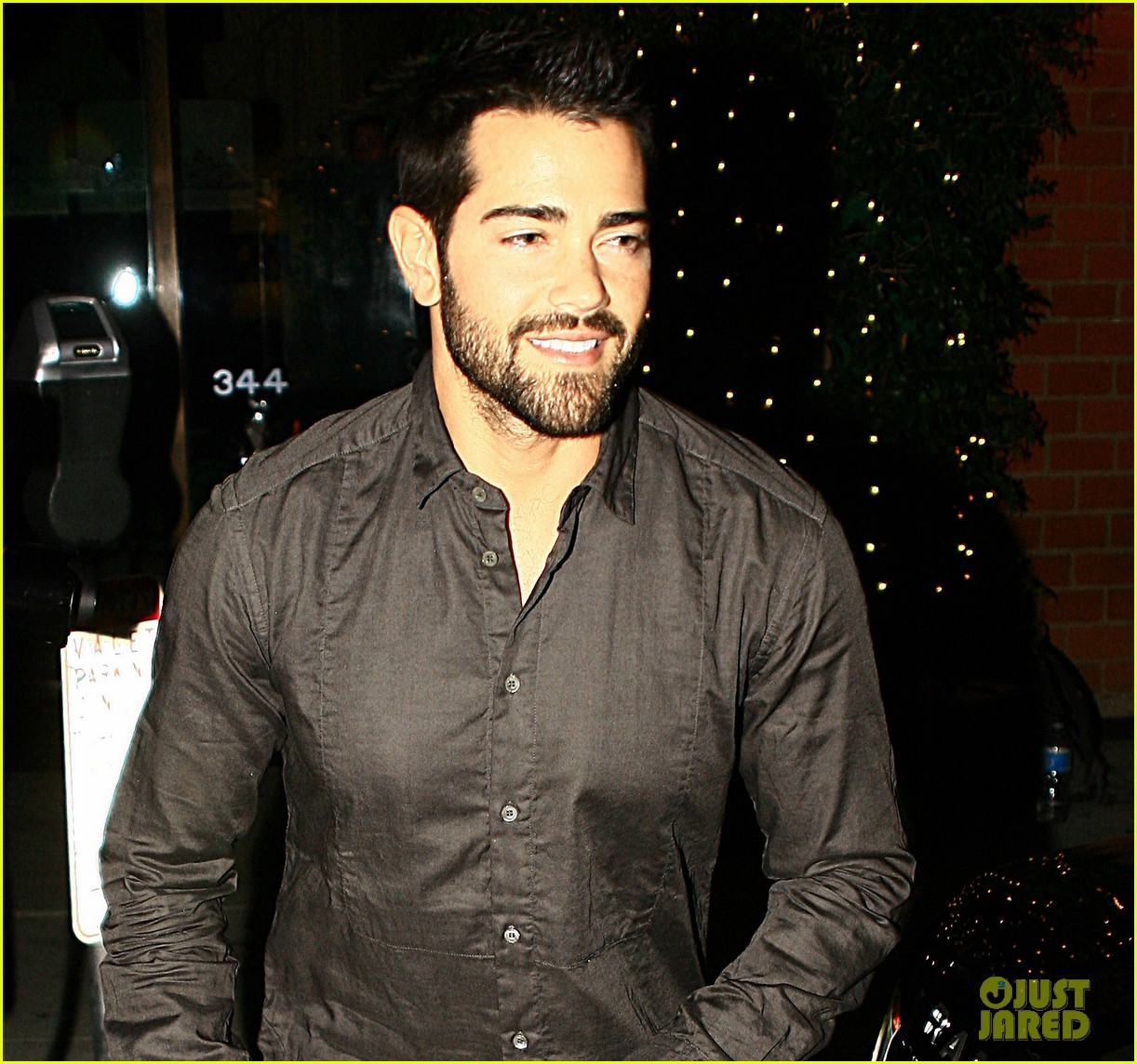 jesse metcalfe cara santana mr chows dinner with the maguires 02