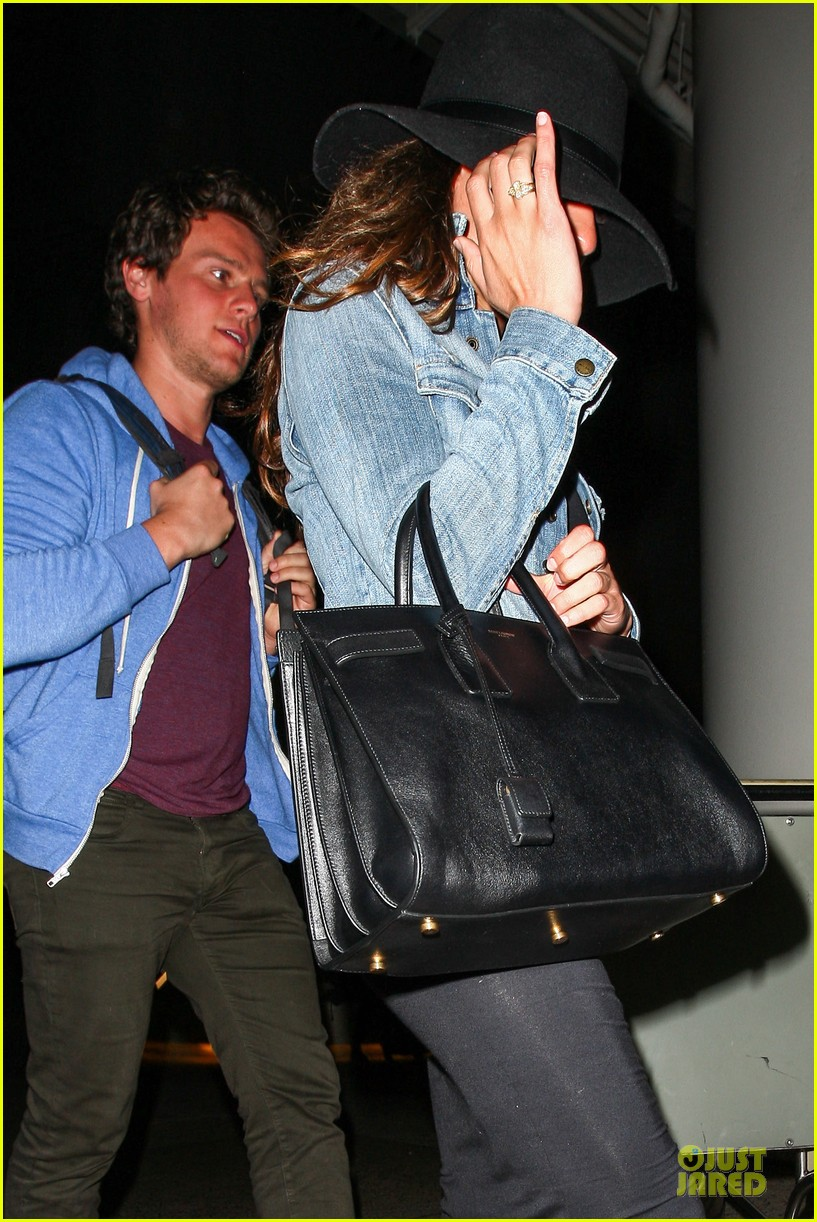 lea michele lax arrival after bikini week in mexico 043022394