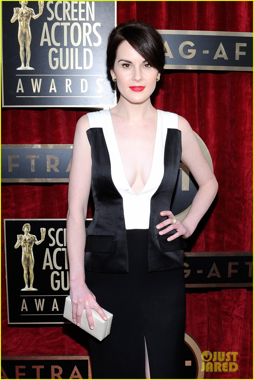 michelle dockery sag awards 2014 red carpet 05