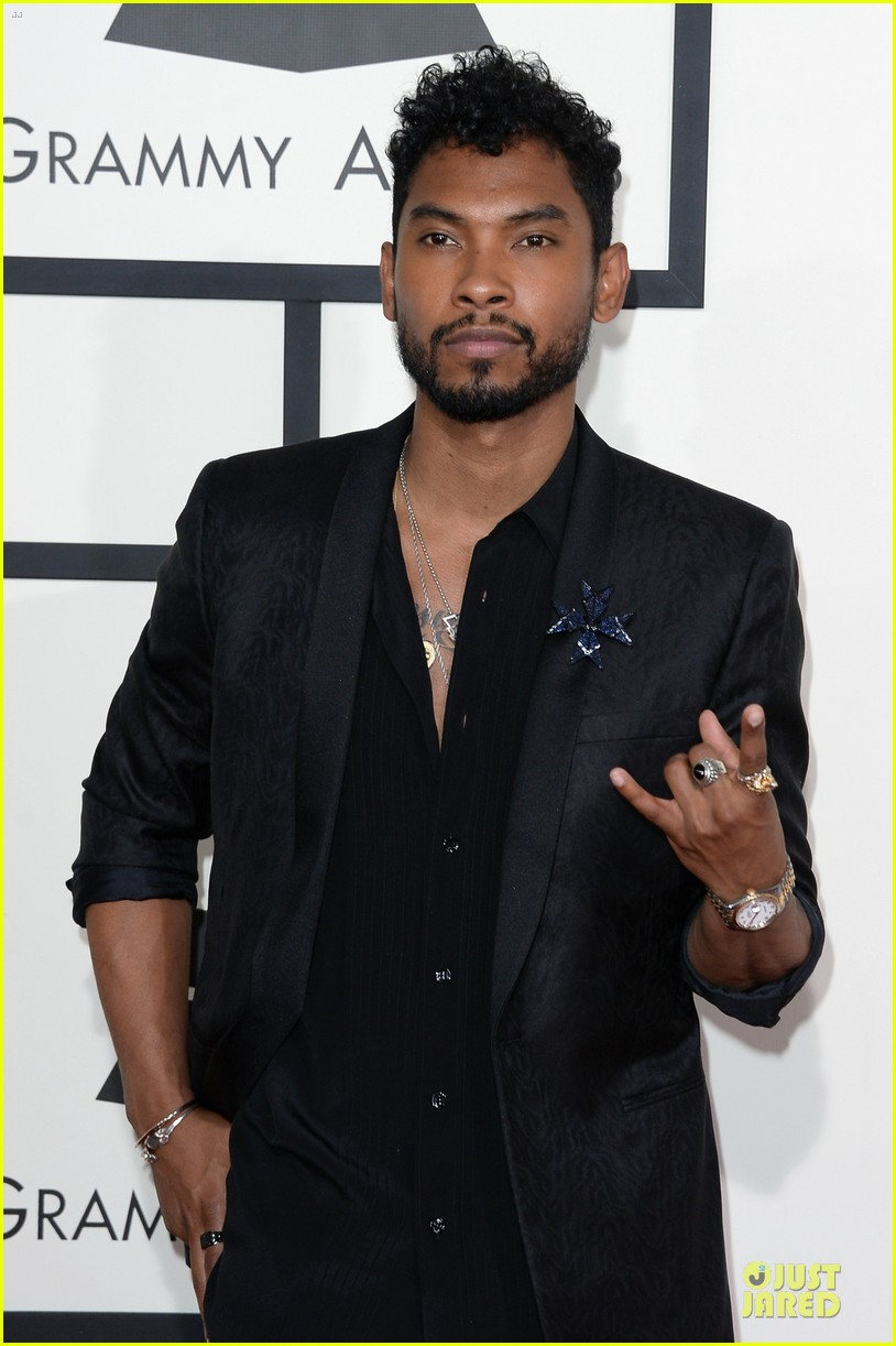 miguel grammys 2014 red carpet 04