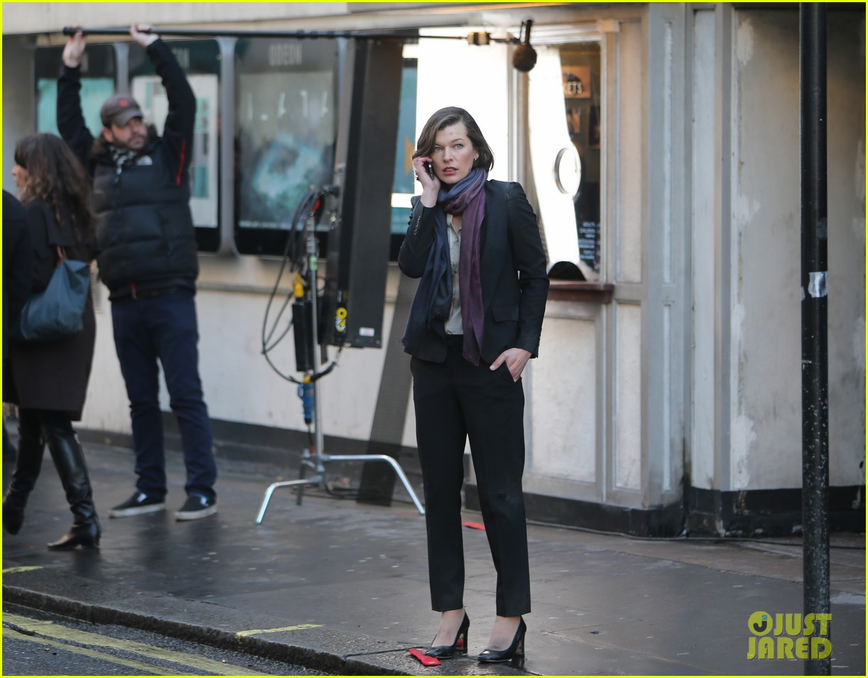 milla jovovich dylan mcdermott film survivor in london 01