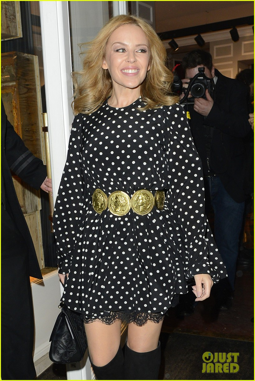 kylie minogue thom evans dolce gabbana london collections 02