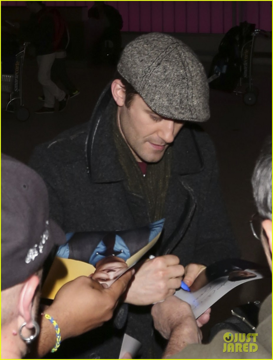 matthew morrison renee puente lax landing with jc chasez 02
