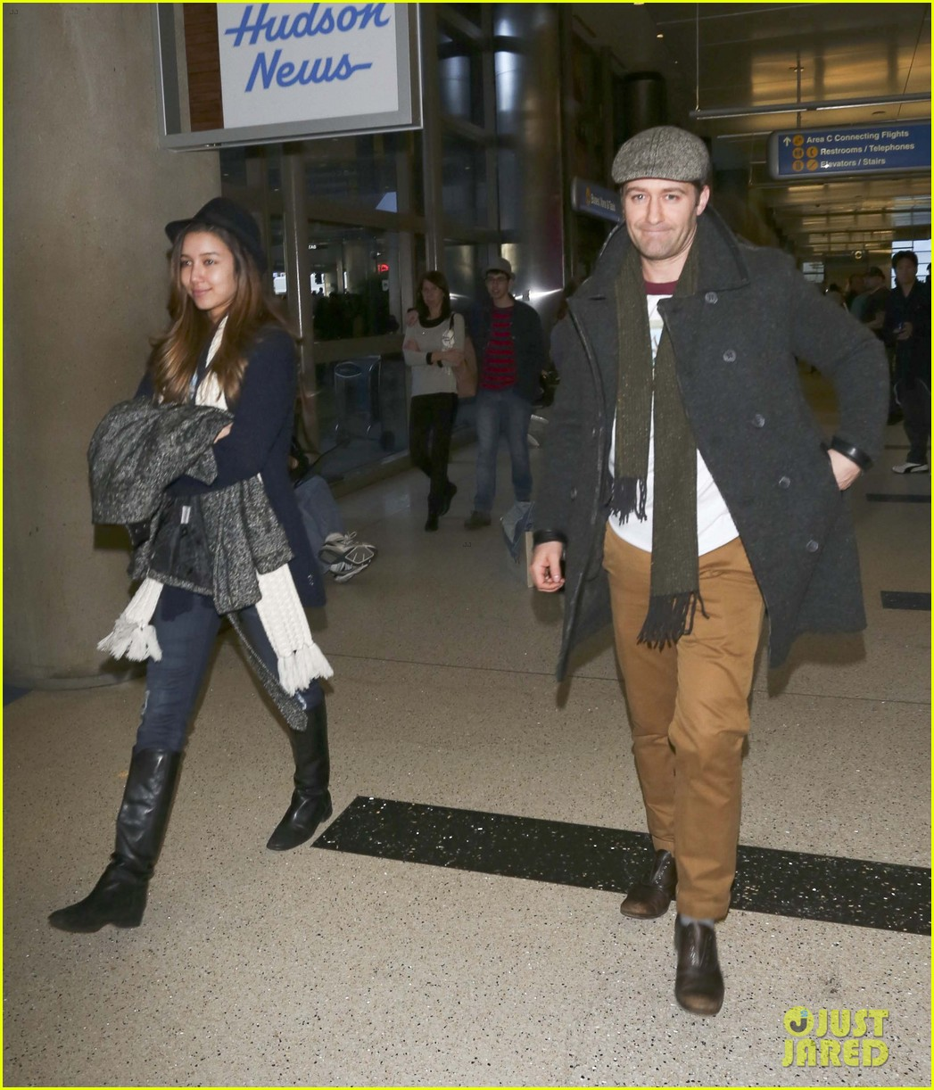 matthew morrison renee puente lax landing with jc chasez 113021824
