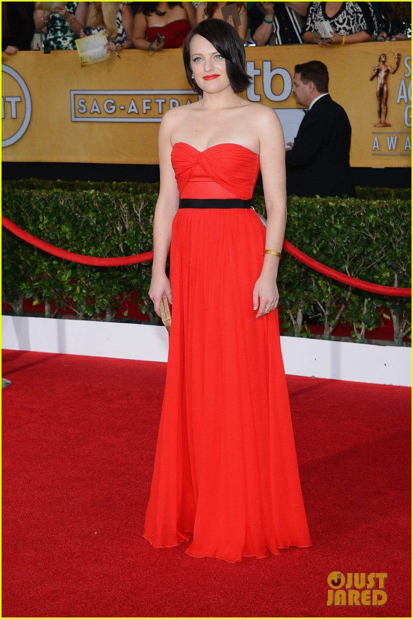 elisabeth moss sag awards 2014 red carpet 05