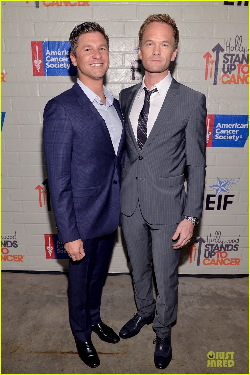 neil patrick harris justin bartha hollywood stand up to cancer event 01