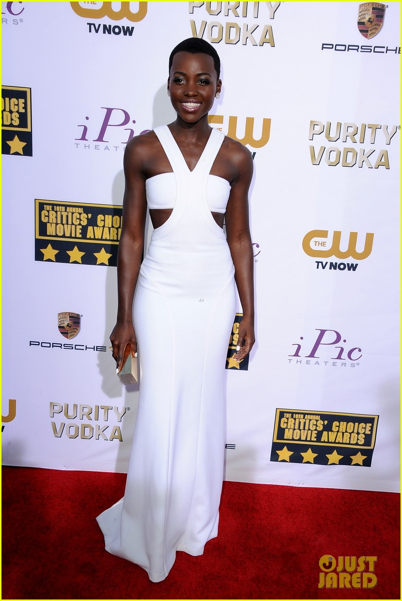 lupita nyongo critics choice movie awards 2014 red carpet 013033002