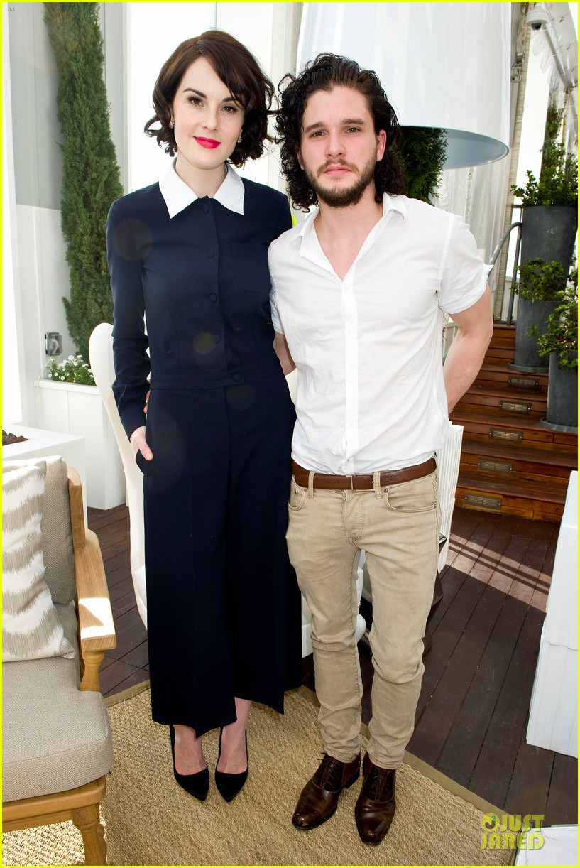 lupita nyongo dujour cover party with michelle dockery 02