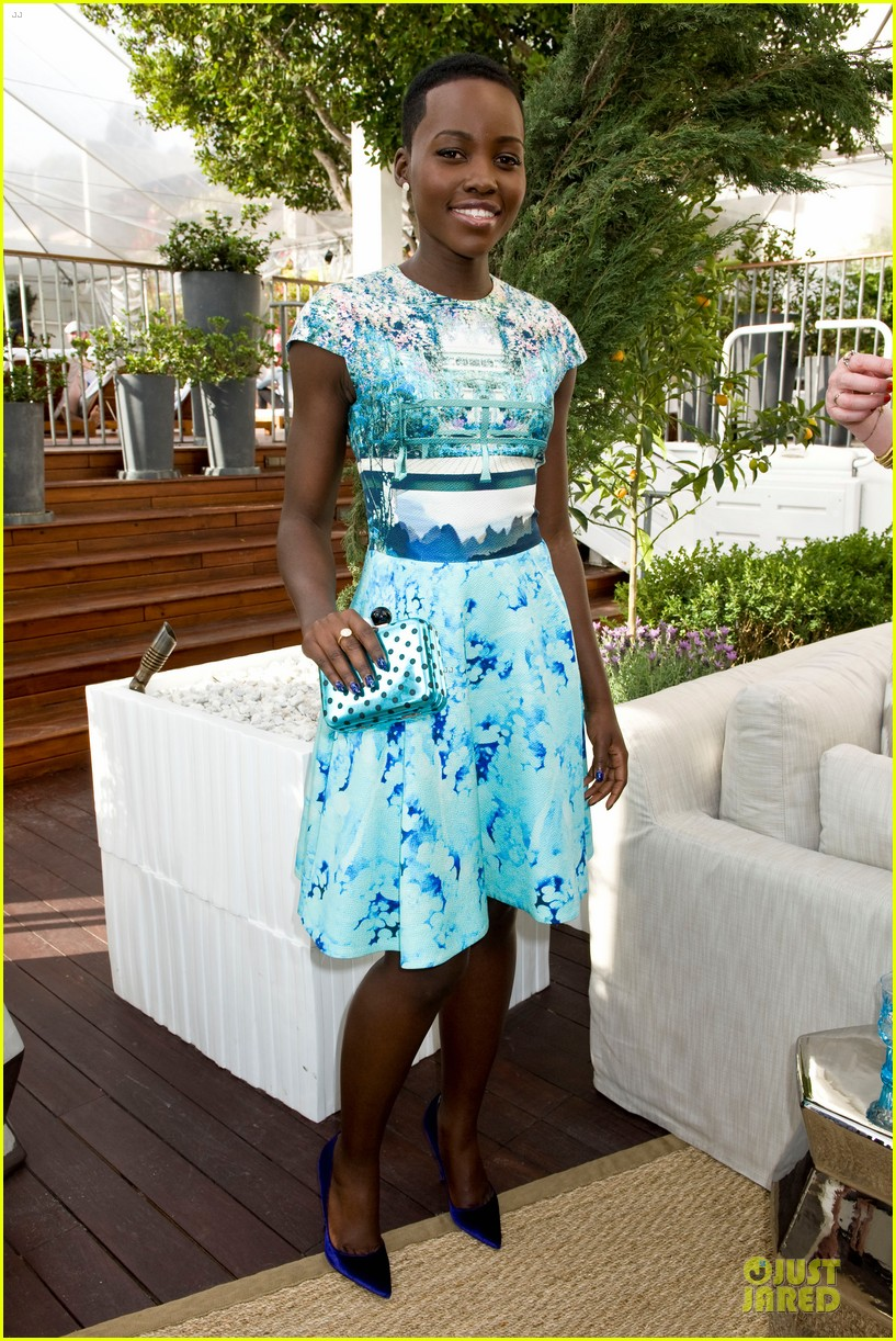 lupita nyongo dujour cover party with michelle dockery 13