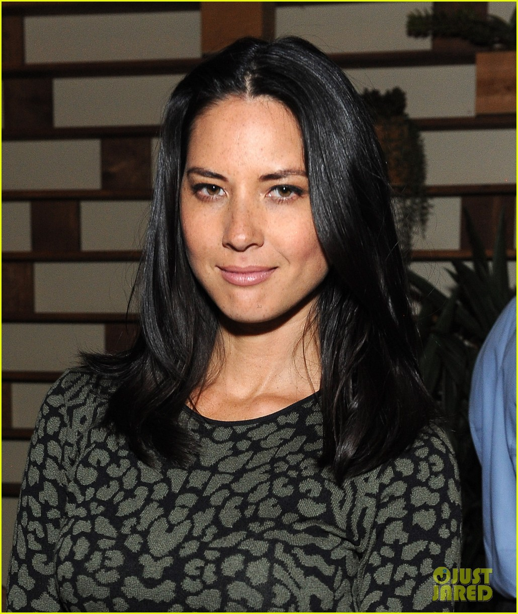 olivia munn michelle dockerty hbo pre golden globes party 213028891