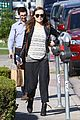 olivia wilde baby bumpin beauty salon 07