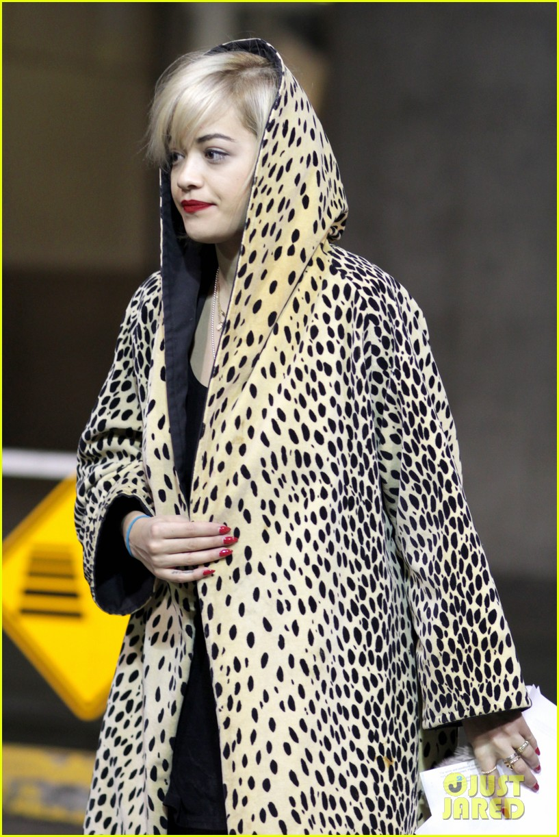 rita ora flies to vanouver to begin fifty shades of grey 213031873