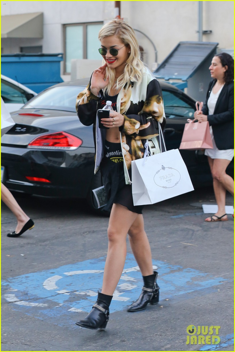 rita ora iggy azalea friends n family pre grammy dinner 103039187