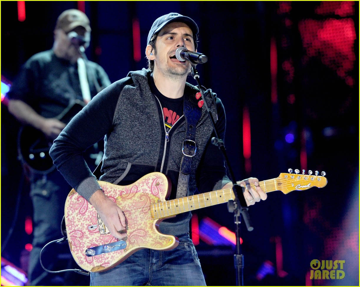 brad paisley onerepublic peoples choice awards 2014 rehearsals 12