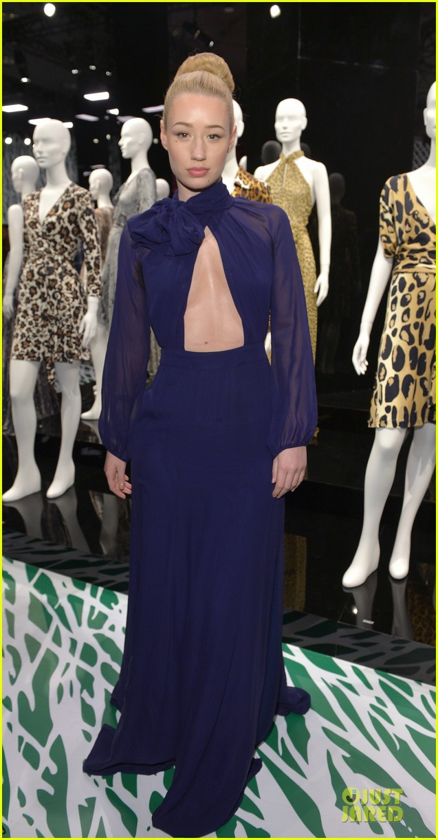 gwyneth paltrow rooney mara journey of a dress exhibition opening 07