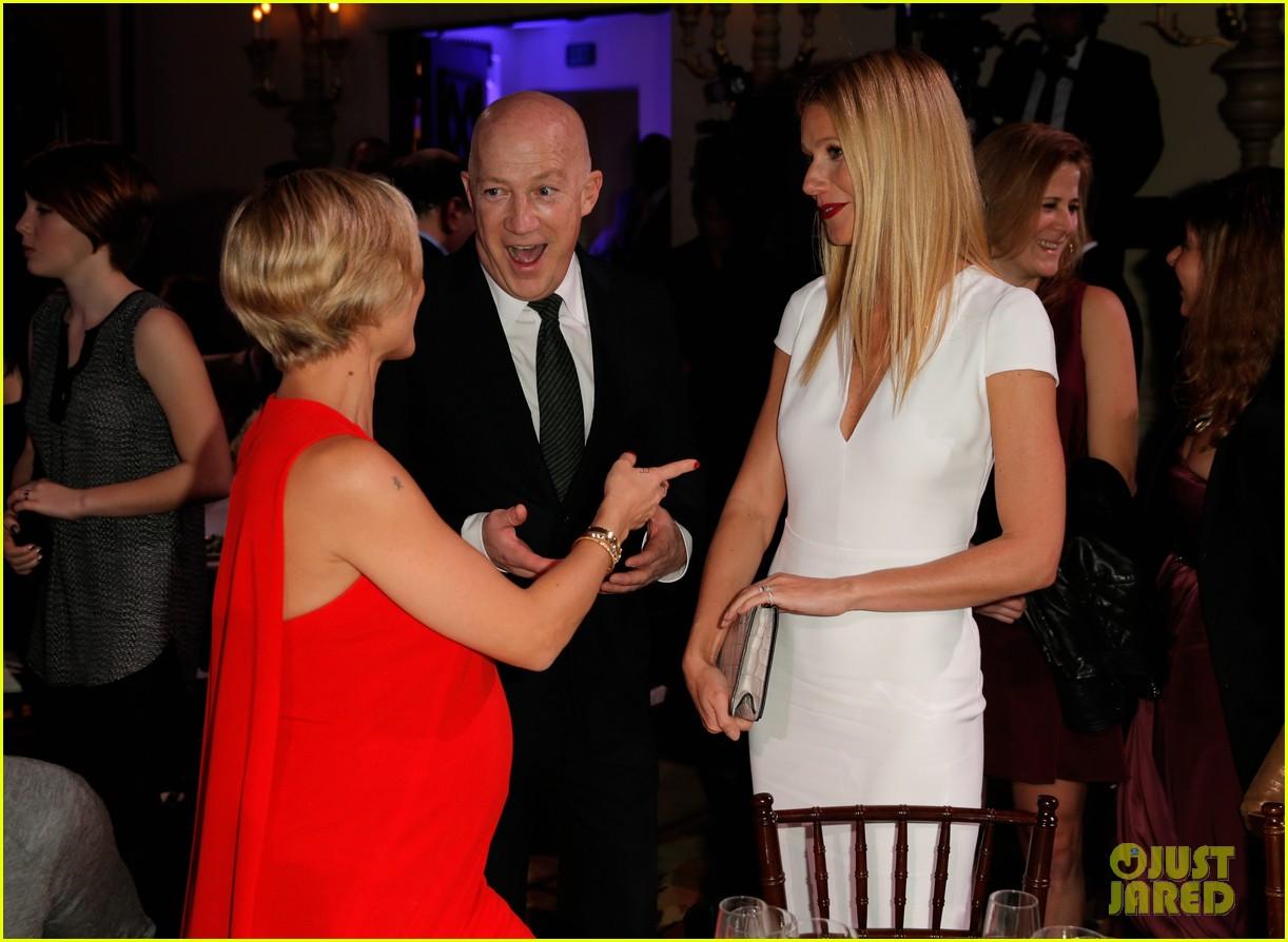 gwyneth paltrow julia roberts help haiti home gala 2014 093028441