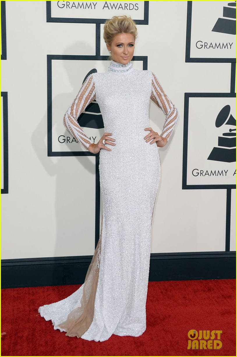 paris hilton grammys 2014 red carpet 01