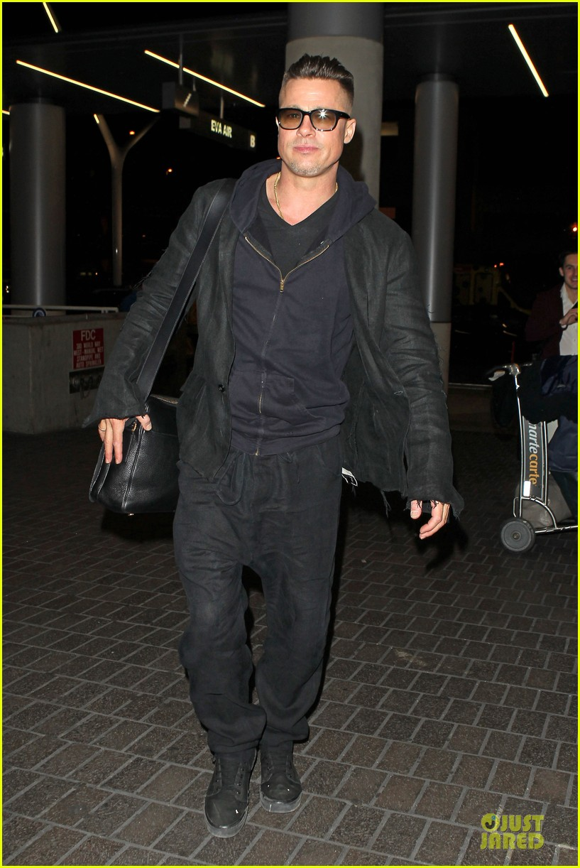 brad pitt lax departure after producers guild awards 08