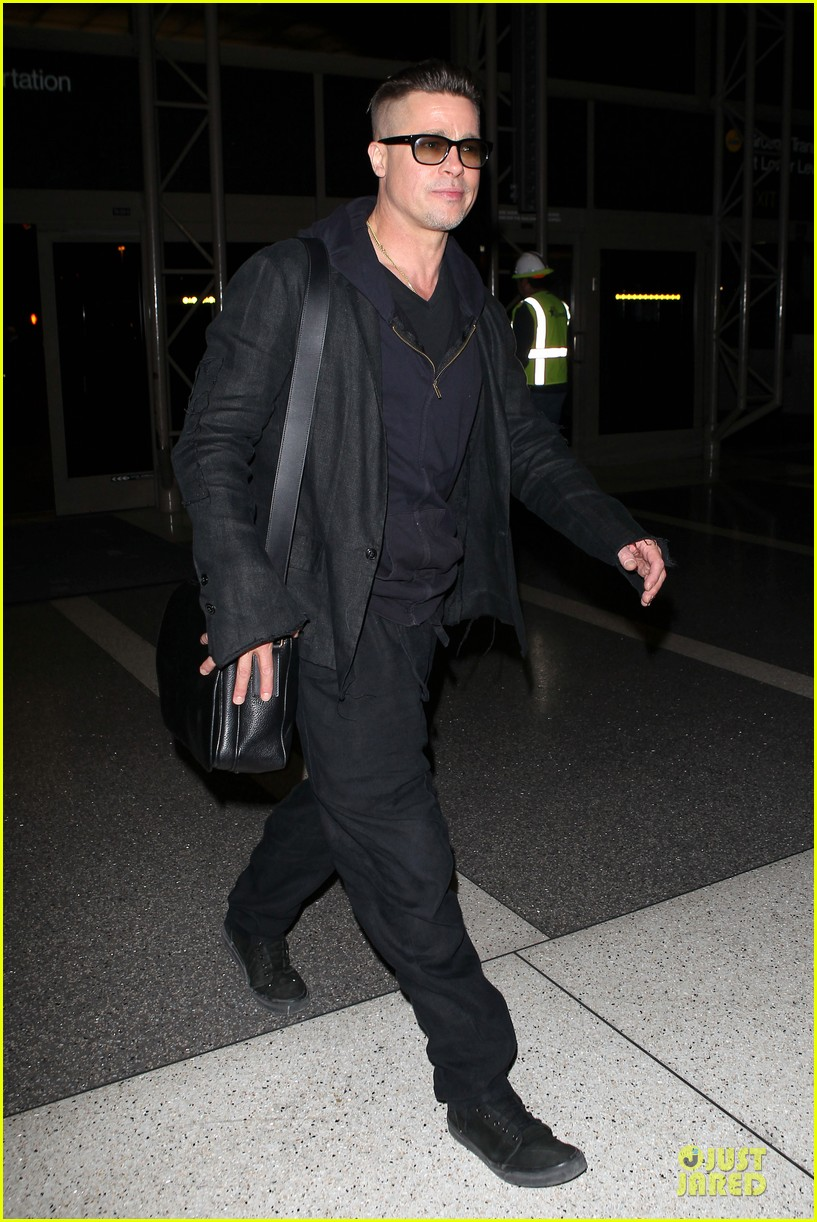 brad pitt lax departure after producers guild awards 213036212