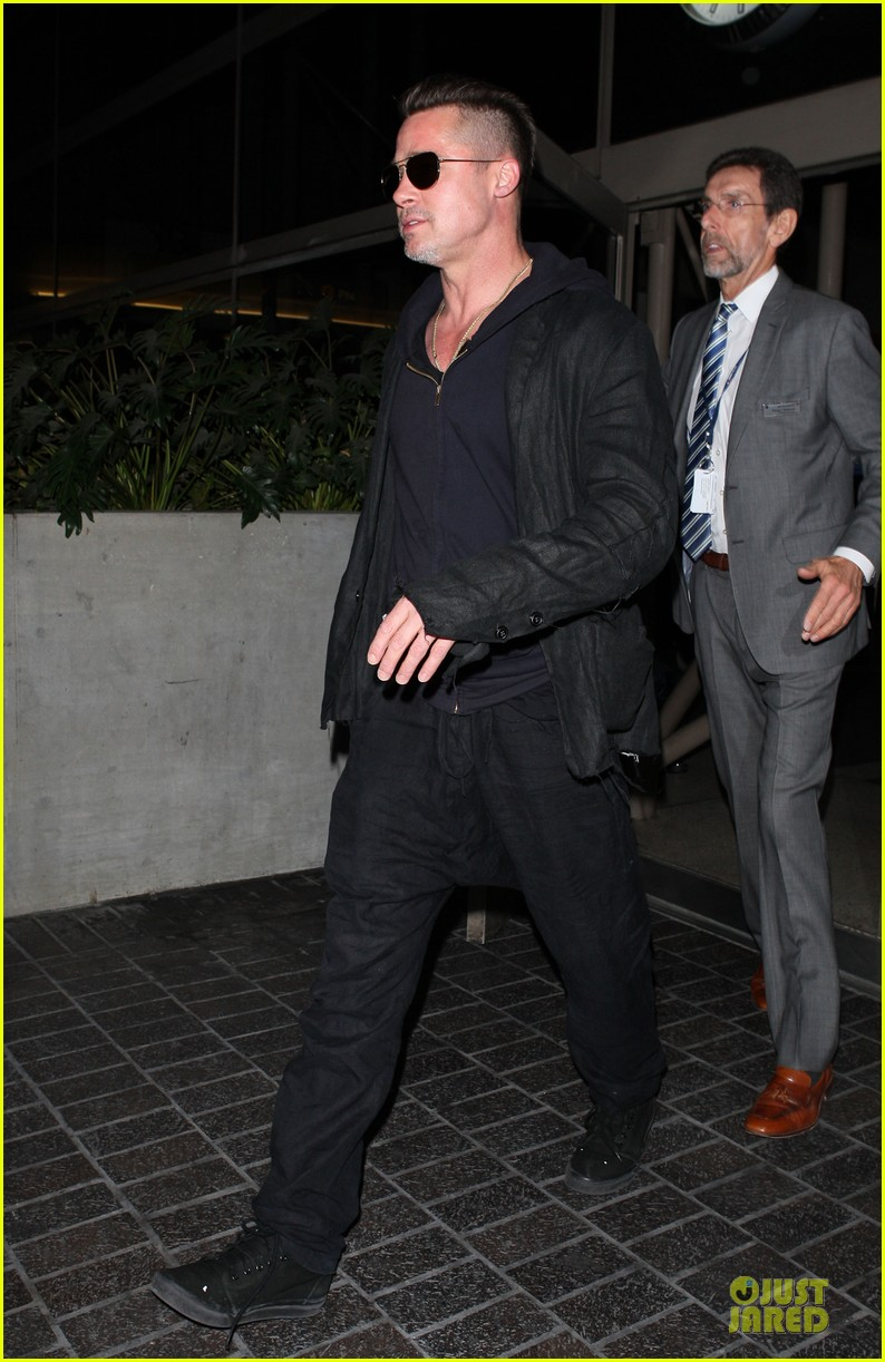 brad pitt lax arrival after angelina jolie difret news 14