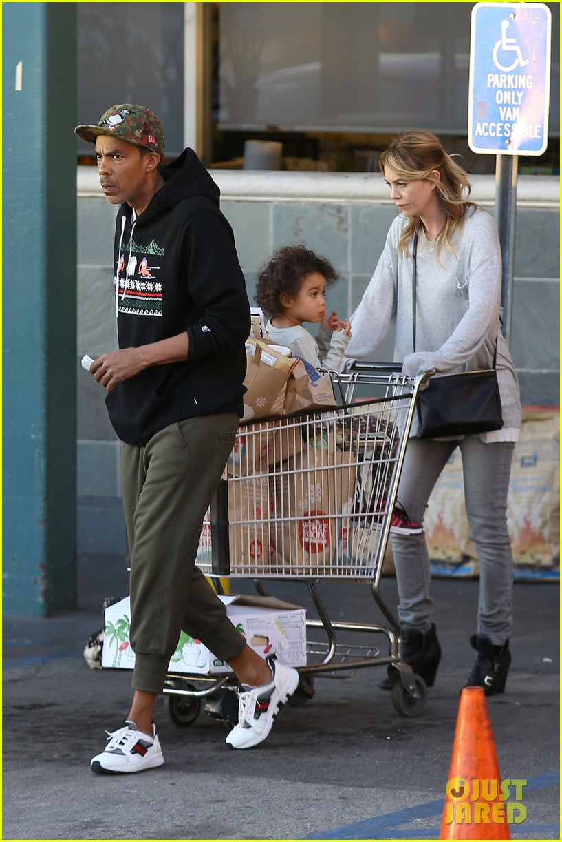 ellen pompeo spills her coconuts in whole foods lot 153024490