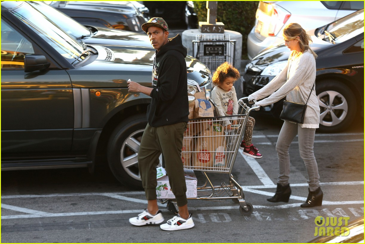 ellen pompeo spills her coconuts in whole foods lot 23