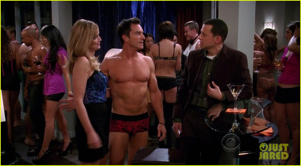 cda5e098 Full Sized Photo of survivors jeff probst shows off ripped shirtless ...