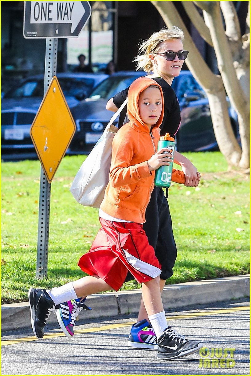 reese witherspoon busy saturday with son deacon 19