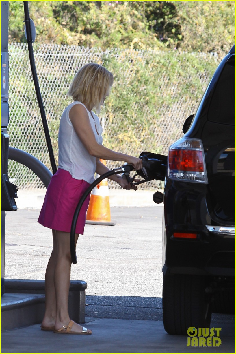 reese witherspoon busy saturday with son deacon 29