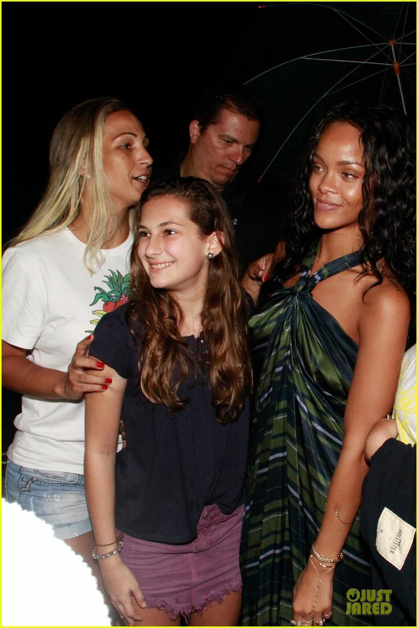 Prime Rihanna Gold Bikini Beach Babe In Brazil Photo 3036000 Bikini Short Hairstyles Gunalazisus
