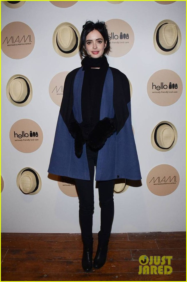krysten ritter yellowtail cocktail party after learning to ride at sundance 03