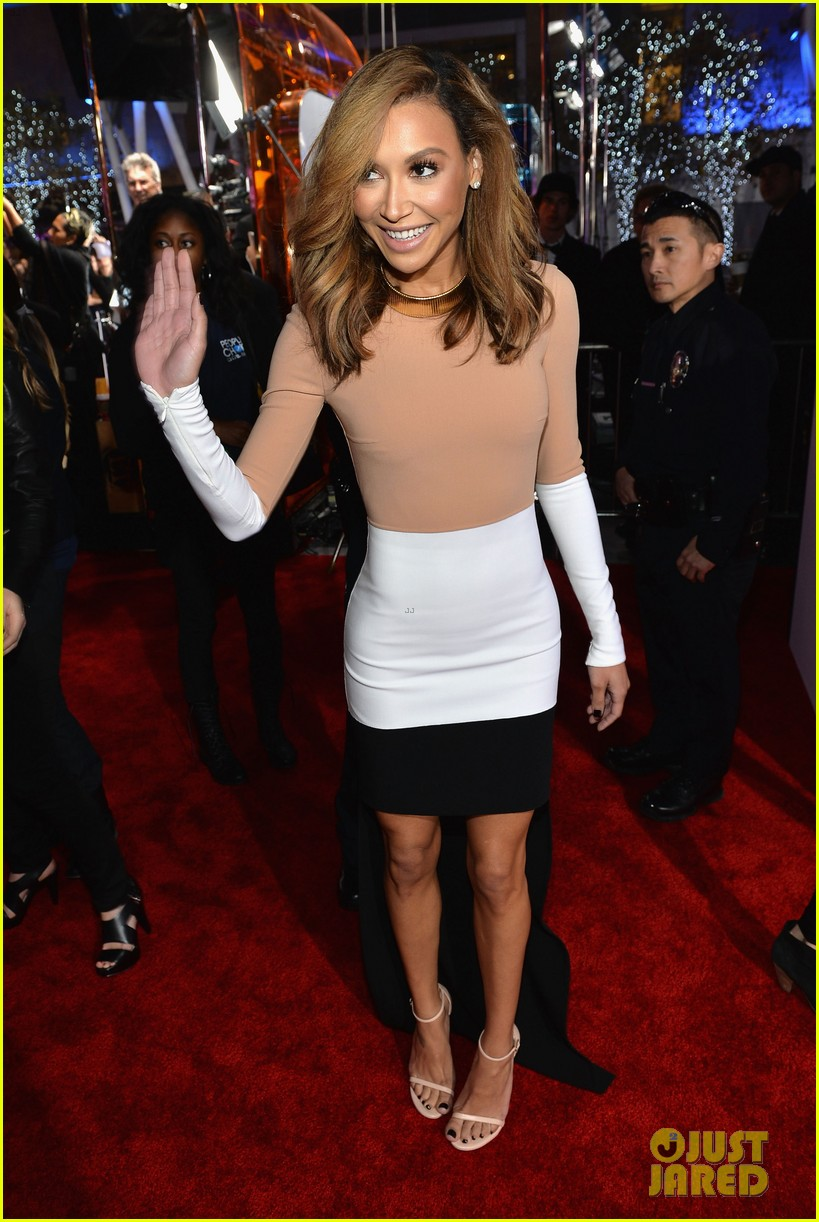 naya rivera goes blonde at peoples choice awards 2014 013025584