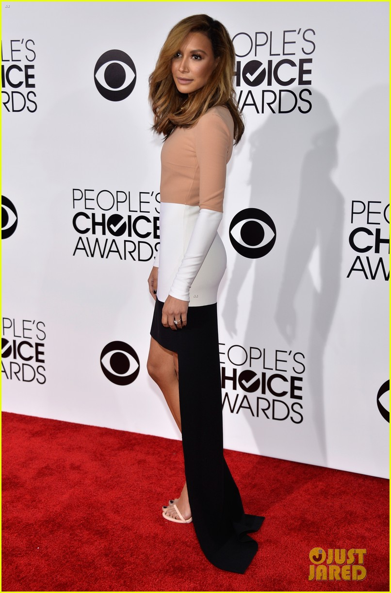 naya rivera goes blonde at peoples choice awards 2014 24