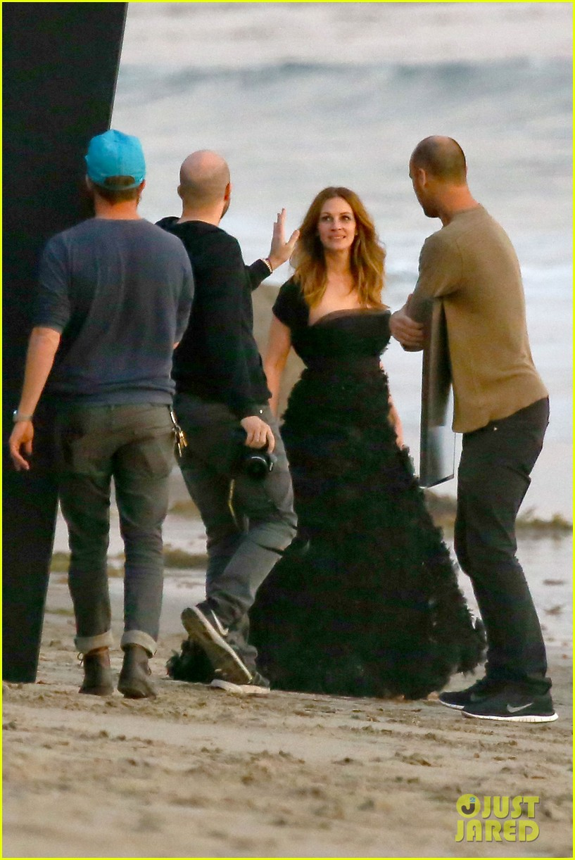 julia roberts wears elegant gown for beach photo shoot 053043846