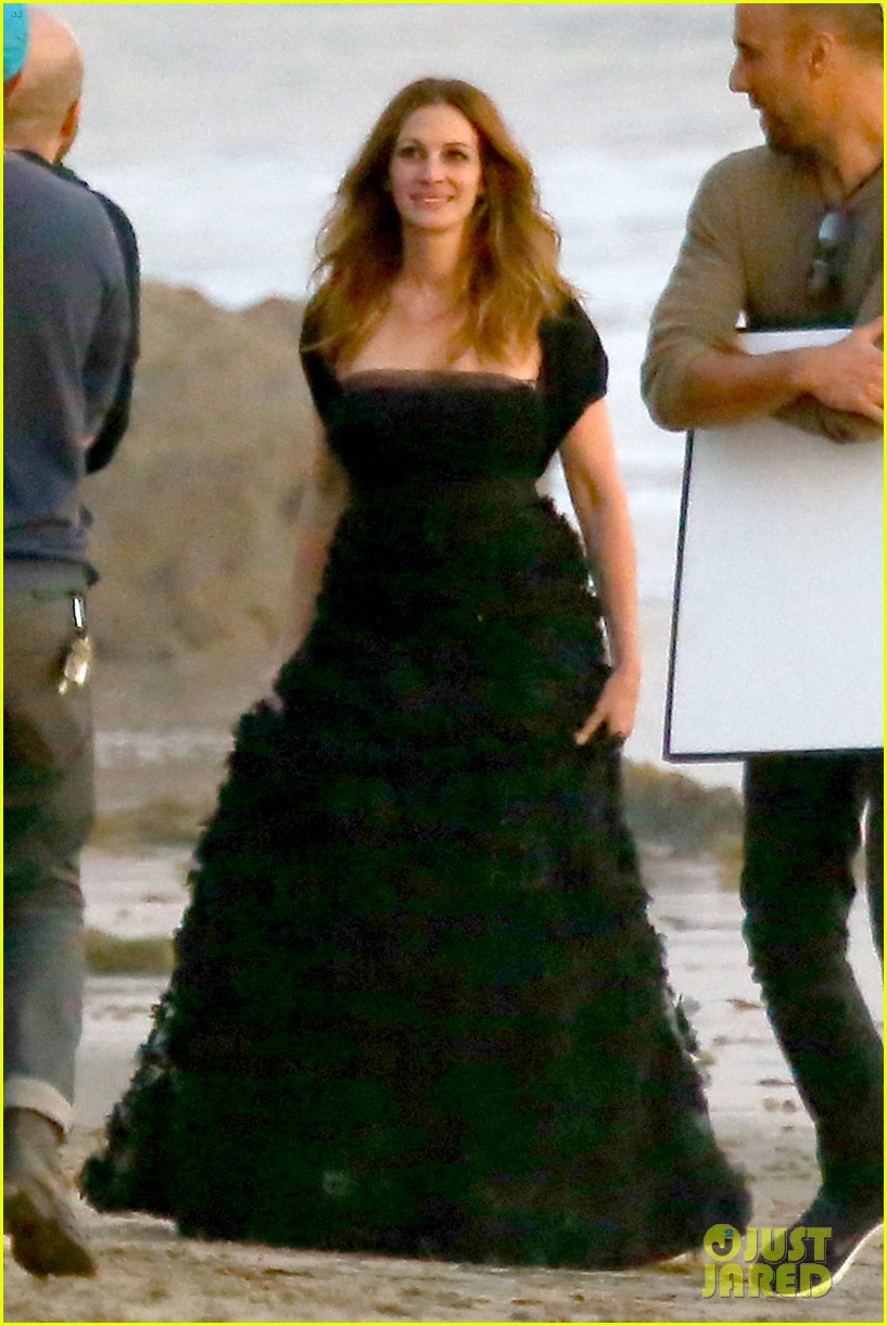 julia roberts wears elegant gown for beach photo shoot 063043847