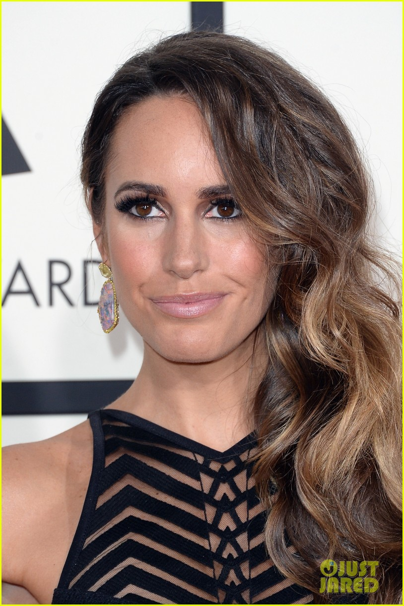 louise roe guiliana rancic grammys 2014 red carpet 023040915