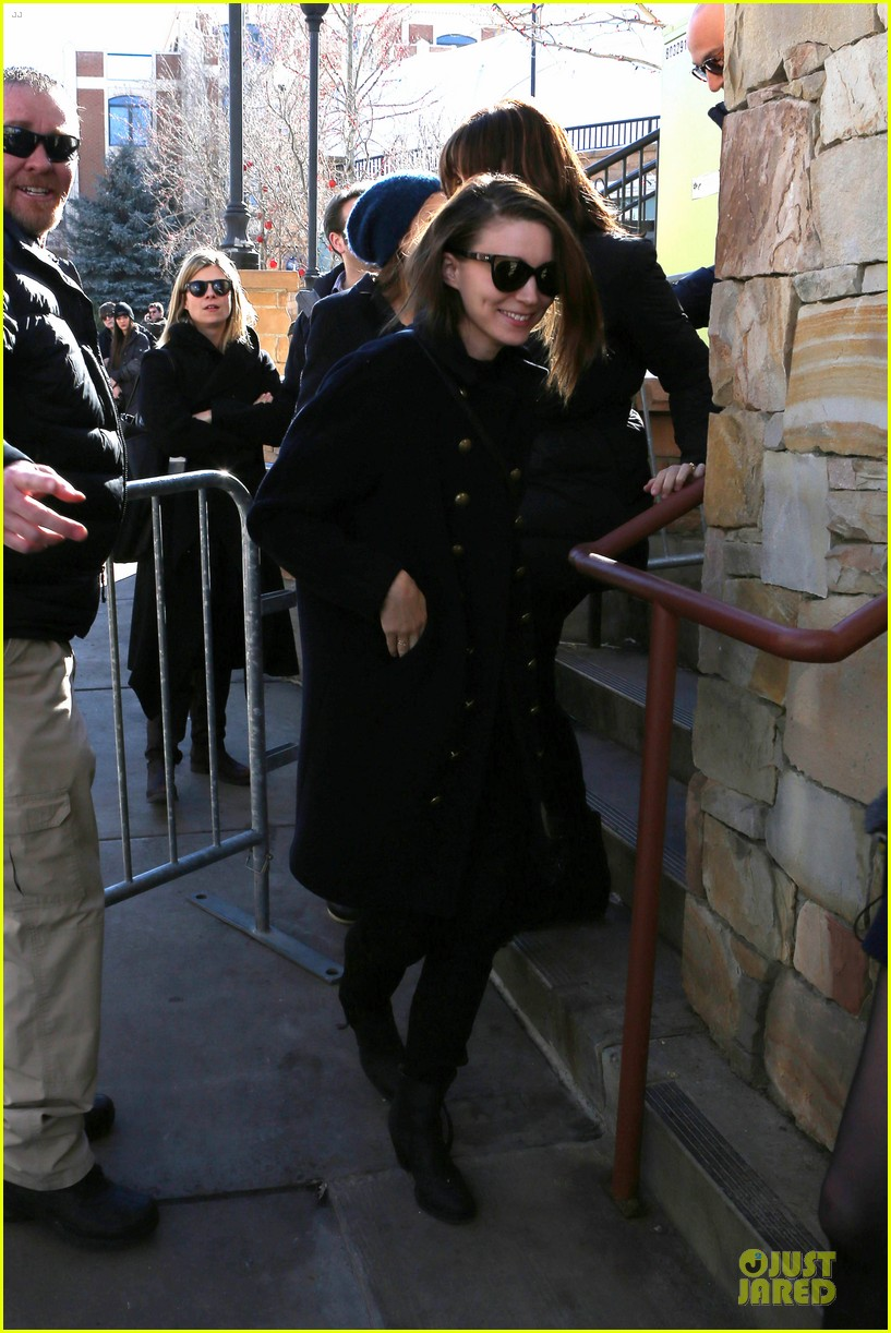 anne hathaway photobombs rooney mara at sundance 113037508