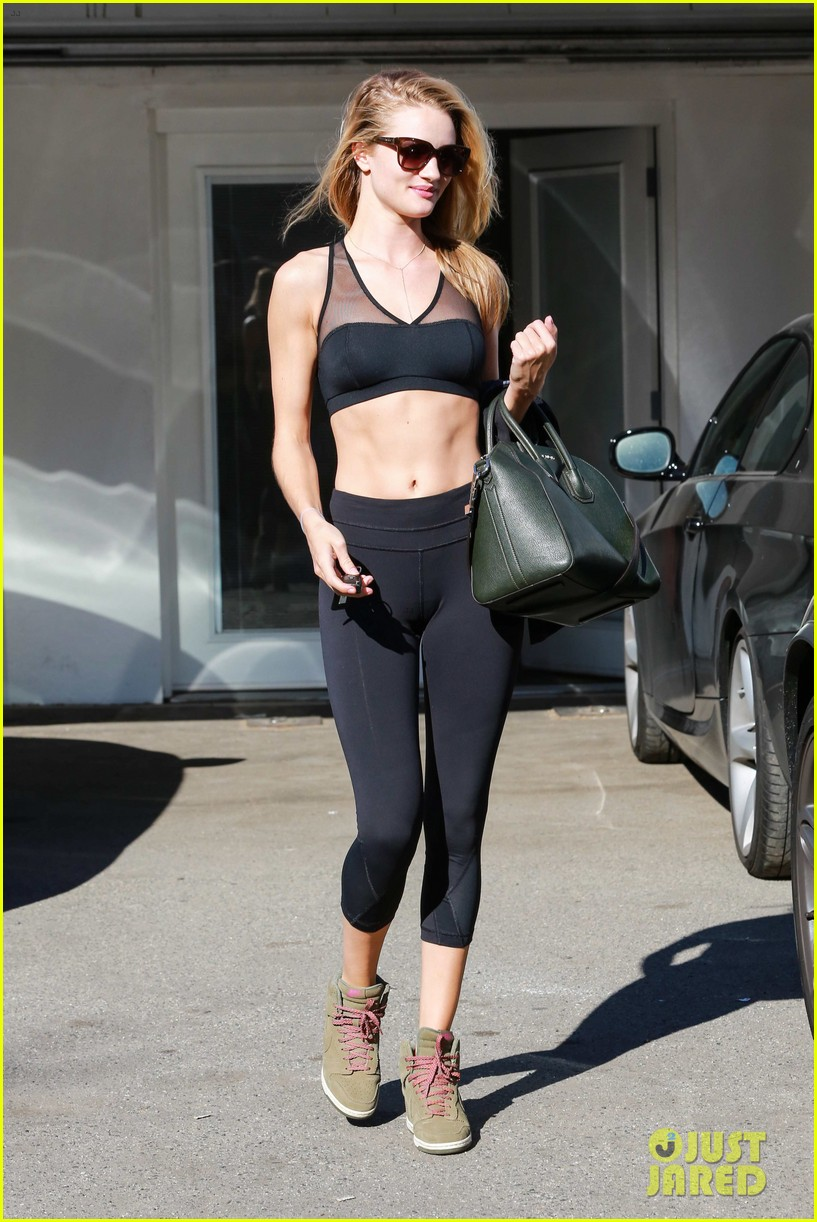 Rosie Huntington-Whiteley Dons Sheer Sports Bra to the Gym ...