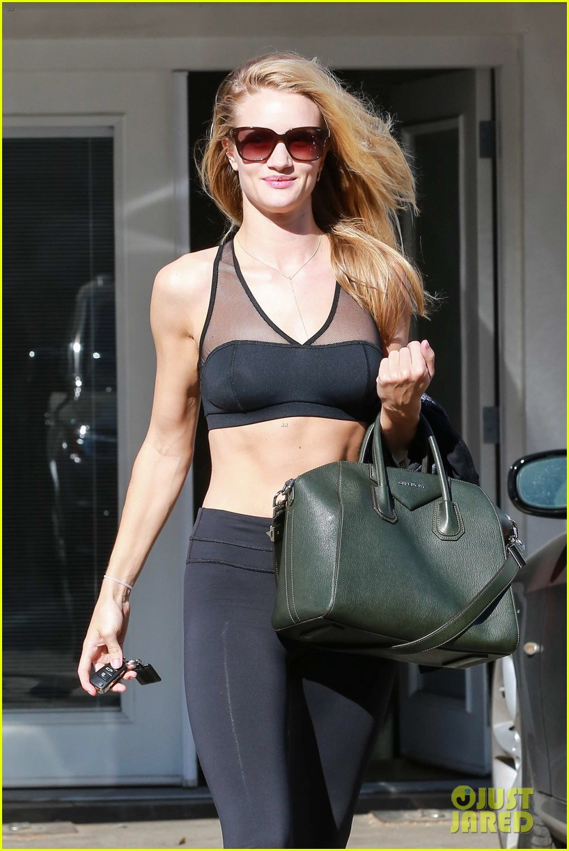 rose huntington whiteley dons sheer sports bra to gym 04