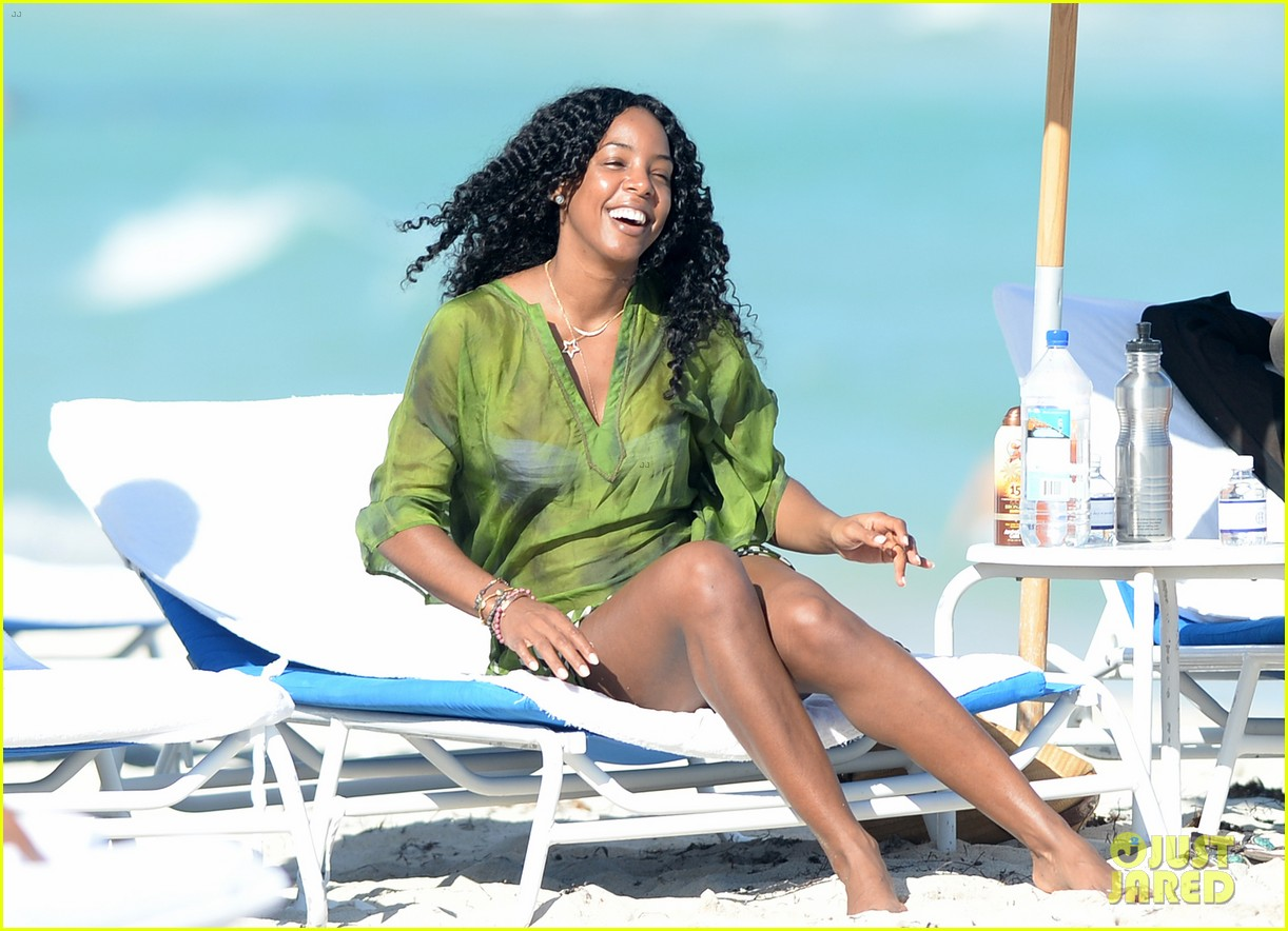 kelly rowland miami beach bikini babe 063021999