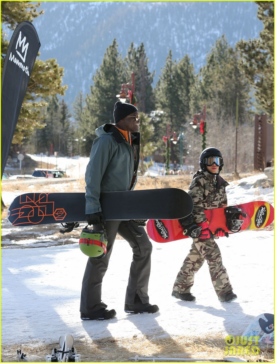 seal spends first day of 2014 snowboarding with the kids 15