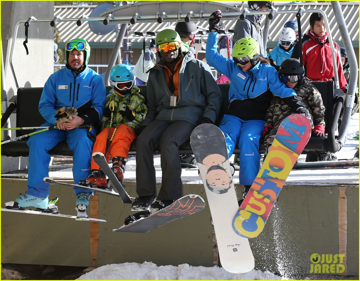seal spends first day of 2014 snowboarding with the kids 20
