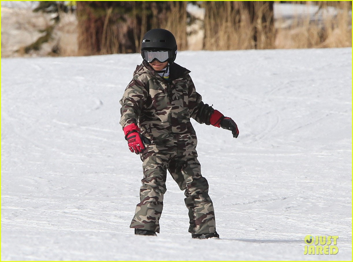 seal spends first day of 2014 snowboarding with the kids 263021451