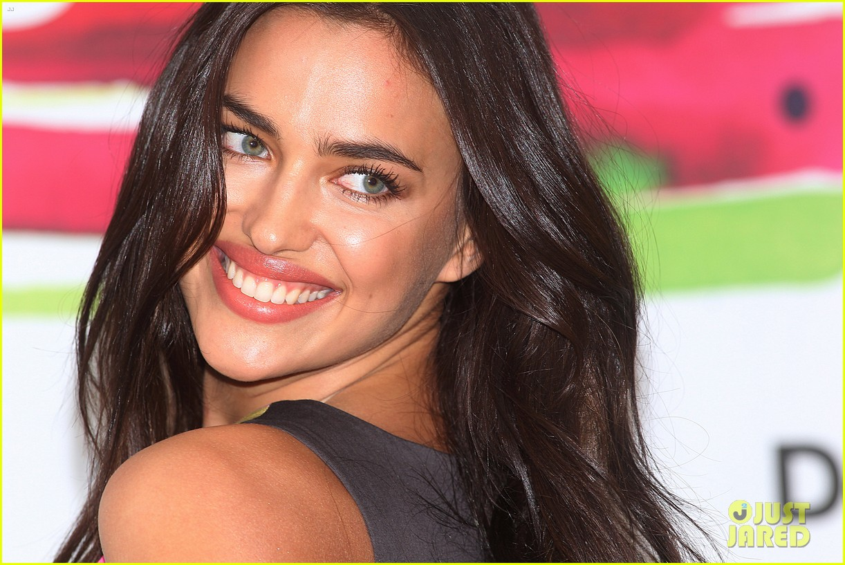 irina shayk presents new desigual campaign in spain 043042230