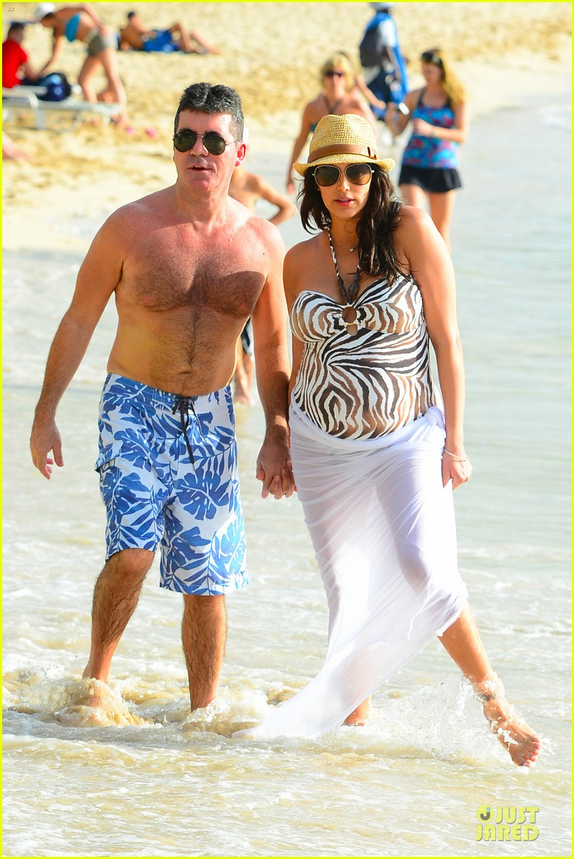 simon cowell lauren silverman hold hands on new year eve 11