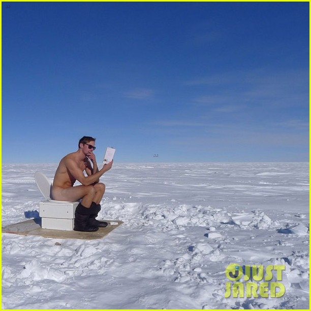 alexander skarsgard goes naked at the south pole photo 013025081