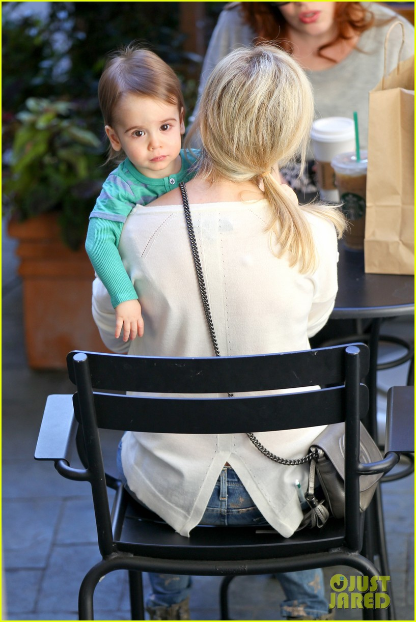 sarah michelle gellar hangs with adorable son rocky 05