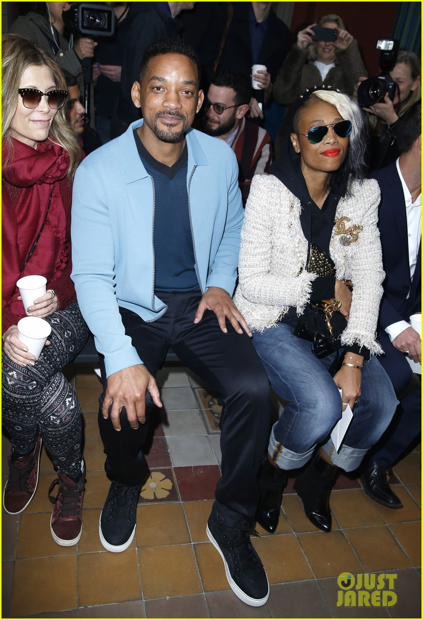 will smith lanvin fashion show with victor cruz 01
